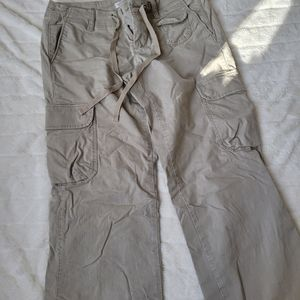Tommy jeans cargo style pants